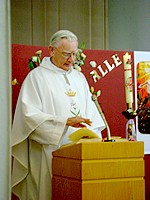 Fr. Hoey delivers homily
